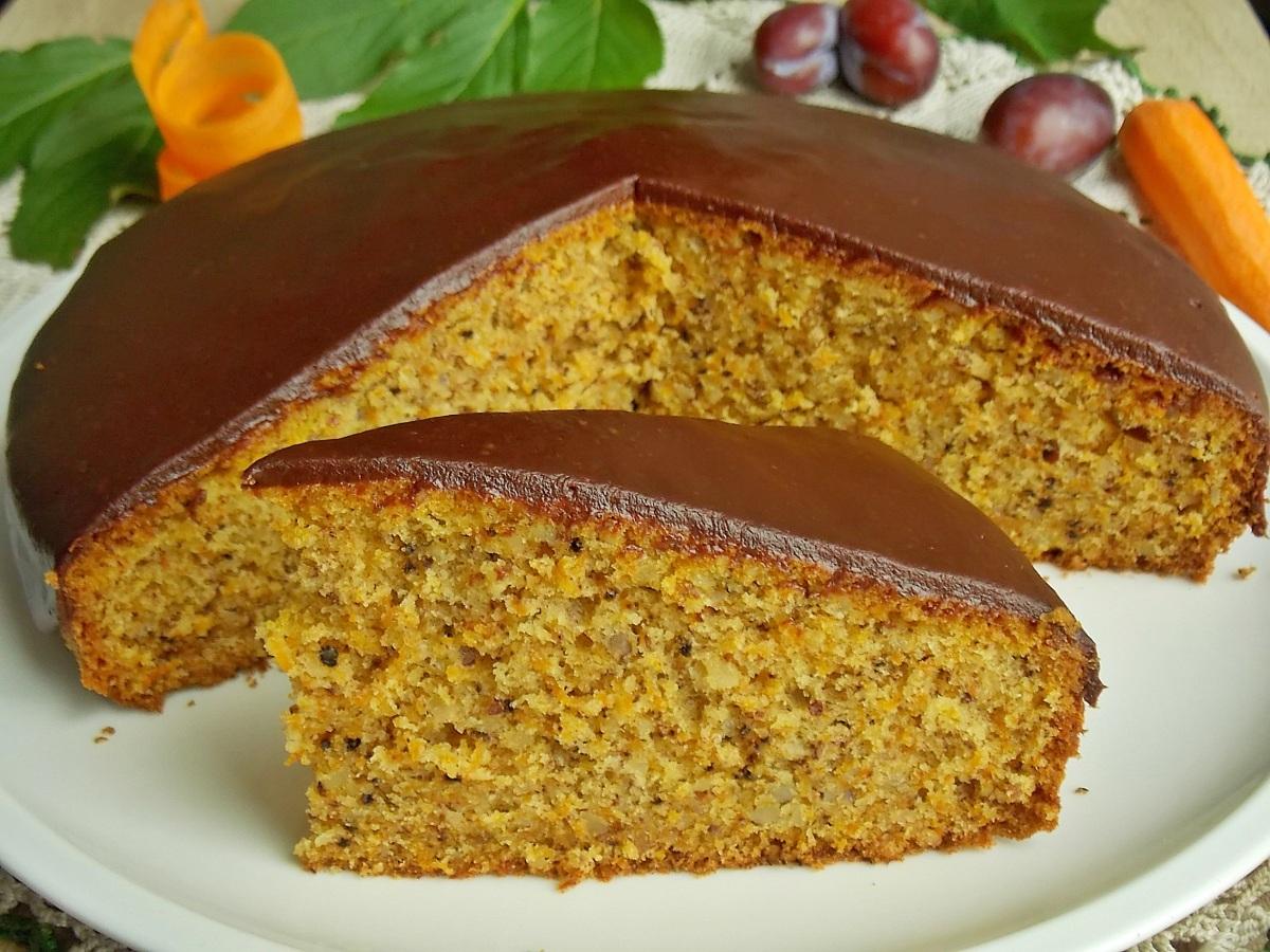 Ciasto marchewkowe z polewą czekośliwkową