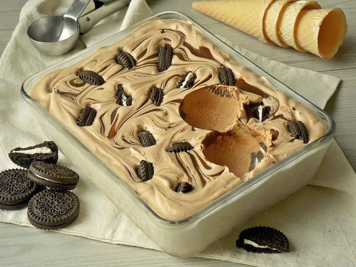 Kakaowe lody kajmakowe z oreo